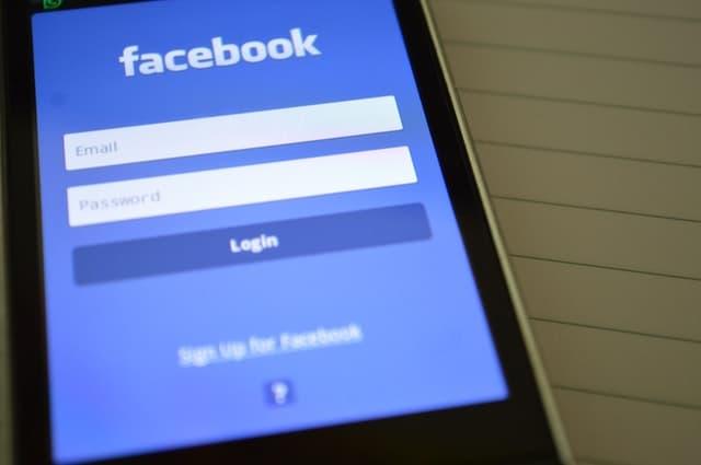 Atrapada por las redes sociales